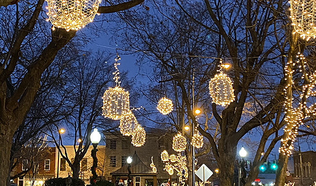 Christmas Lights Bowling Green Ky 2021 The Holiday Season Is Approaching Fast And There Are Lots Of Ways To Stay Safe And Still Have Fun In Franklin Ky Soky Happenings
